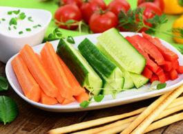Gemüsesticks mit Kräuter‐Dip