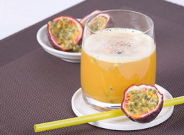 Rezepte-shake-buttermilchMaracuja
